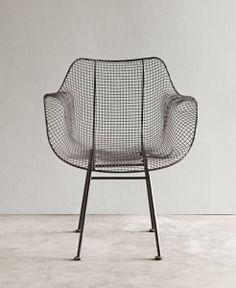Stuhl aus pulverbeschichtetem Metall für deinen Garten/Terrasse. Mehr Stühle entdecken: http://sturbock.me/6Uq