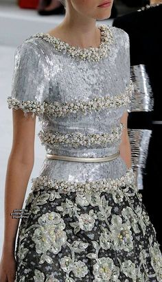 Chanel Couture 2014... I cannot take my eyes off of this piece....