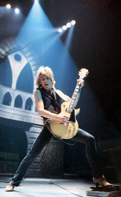 Randy Rhoads and his Gibson Les Paul 🎸 Rock Roll, Hard Rock, Heavy Metal, Black Label Society, Best Guitar Players, Tribute, Ozzy Osbourne, Gibson Les Paul, Rock Legends