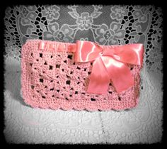 Granny crochet clutch with ribbon