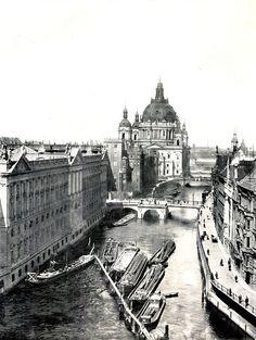 ca 1900 Neuer Marstall und Berliner Dom