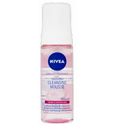 NIVEA® Daily Essentials Soothing Cleansing Mousse