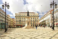 """""""15 ótimos locais grátis para visitar em Lisboa"""" por vortexmag  «Nem sempre temos que pagar para desfrutar de um belo dia em Lisboa. Se está à procura de locais gratuitos para visitar na capital de Portugal, saiba que as suas opções são variadas e um só dia não vai chegar para visitar todos os sítios». Para ler o artigo completo, clique na imagem abaixo e saiba mais sobre a cidade de Lisboa com a Bensaude Hotels ;)   #bensaudehotels"""