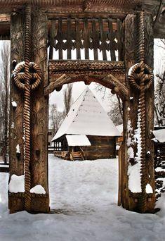 Wooden Gate . Berbesti, Maramures County, Romania
