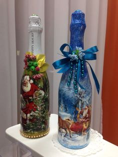 Handmade Christmas Crafts, Xmas Crafts, Diy And Crafts, Empty Wine Bottles, Painted Wine Bottles, Glass Bottles, Bottle Painting, Bottle Art, Decoupage Glass