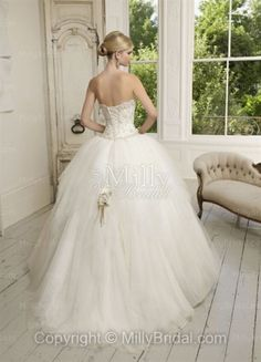 Ball Gown Strapless Beading Tulle Wedding Dress