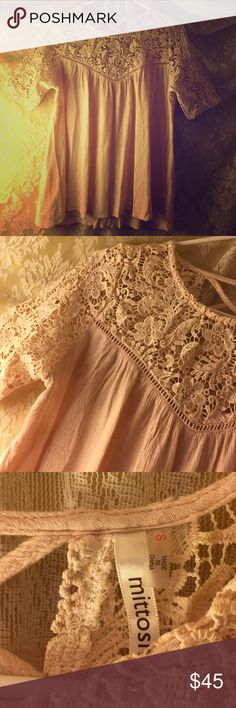 FLASH SALE!!!!! 30 mins!! Lace pink boho top LOVE IT! Selling because I outgrew it. Wish I could keep it so bad! Bought at a boutique called DressUp. Just like brand new only worn two times. Not free people Free People Tops
