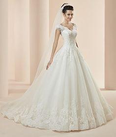 17 Super Ideas For Wedding Dresses Bridesmaid Princess Princess Wedding Dresses, Wedding Bridesmaid Dresses, Dream Wedding Dresses, Bridal Dresses, Dresses Dresses, Beautiful Wedding Gowns, Elegant Wedding Dress, Beautiful Dresses, Robes Vintage