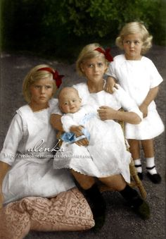 Prince Philip of Greece Denmark with three of his sisters in 1921 (grew up to be Prince Philip, Duke of Edinburgh husband of Queen Elizabeth II). Princess Alice Of Battenberg, Queen Victoria Prince Albert, Victoria Reign, Princess Victoria, Prinz Philip, Greek Royalty, Greek Royal Family, Ernst August, Reine Victoria