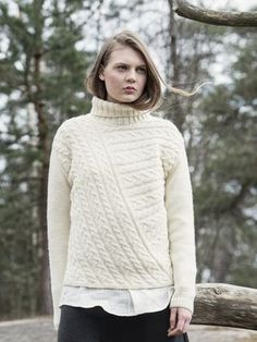Naisen palmikkoneulepusero Novita Nordic Wool, Novita Syksy 2015