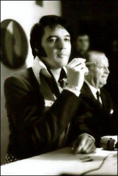 Elvis Presley - March 01 , 1970 Astroworld Hotel , Houston , Texas