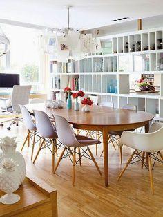 Casinha colorida: Fazendo graça na sala de jantar