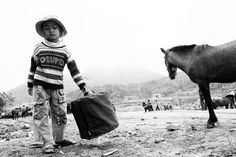 Human Stories – Vietnamese Travel Photography by Adam Riley By: Tim Kok
