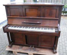 Pianola Zimmermann & Eschenburg Old Pianos, Instruments, Mamma, Vintage, Artists, Musical Instruments, Artist, Vintage Comics, Primitive