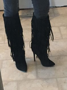 Wow!!! just got my new 'Reggie' boots from JUSTFAB!!!!! I only paid $20 with my bonus points, damn r they sexy boots! Definitely a little high for me and I ordered a 1/2 size up, but so worth it cause I LOVE fringe!!!!
