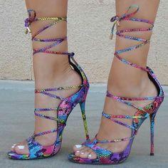 Snakeskin Textured Lace-Up #Heels www.ScarlettAvery...