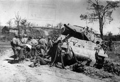 Brazilian Troops - Infantry & M10 Crew, Italy April 1945 - M10 tank destroyer - Wikipedia M10 Tank Destroyer, Armored Vehicles, Troops, Italy, Italia