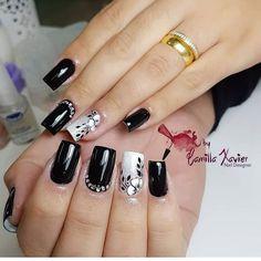 Pretty in black nail art Fabulous Nails, Gorgeous Nails, Pretty Nails, Gel Nail Art, Nail Art Diy, Acrylic Nails, Square Nail Designs, Toe Nail Designs, Cute Spring Nails