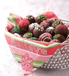 DIY #Christmas #food #gift #Ideas...everyone loves food as a gift!