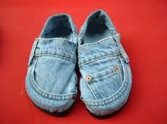 Use a pair old jeans to make a new pair of cute shoes! #upcycleclothing