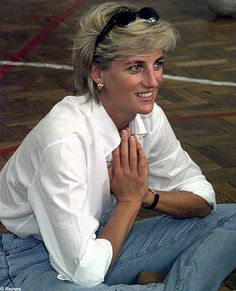 One of my absolute favorite pictures of Princess Diana.