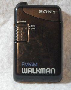 Vintage Sony SRF 29 Portable FM/AM Walkman Radio w belt clip Tested Working #Sony