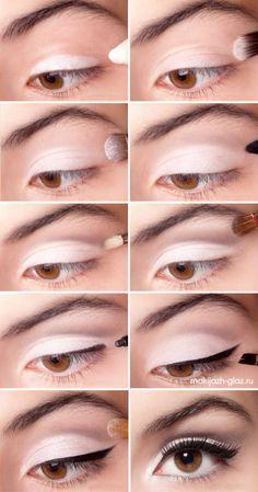 Eye make up. Liking the white eyeshadow Simple Eye Makeup, Love Makeup, Makeup Looks, Easy Makeup, White Makeup, Stunning Makeup, Makeup Style, Pretty Makeup, Beauty Make-up