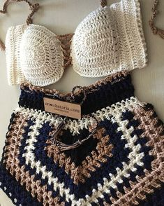 Crochet Beach Dress, Crochet Bathing Suits, Crochet Bikini Top, Knit Crochet, Crochet Pants, Crochet Clothes, Diy Clothes, Crochet Shorts Pattern, Bralette Pattern