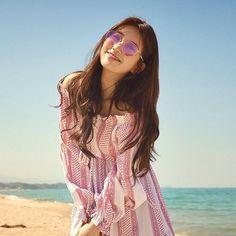 Vagabond Bae Suzy Inspired Sunglasses 001 in Pink (Round Shape) Bae Suzy, Korean Actresses, Korean Actors, Korean Girl, Asian Girl, Korean Accessories, Photo Recreation, Look 2018, Photography
