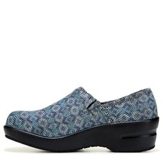 7b1045877d5 Spring Step Women s Neppie Work Clog Shoes (Roayal Multi) - 11.0 M Clogs  Shoes
