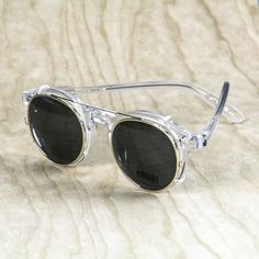 Based on MOSCOT's unmistakably refined, downtown NYC aesthetic with over 100 years of eyewear expertise & craftsmanship. Men Sunglasses Fashion, Fashion Eye Glasses, Lunette Style, Zen, Steampunk, Sunglasses Outlet, Clips, Mens Glasses, Glasses Frames
