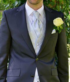♥ Hochzeitsweste, Plastron und Einstecktuch von L'legance ♥  Ansehen: http://www.brautboerse.de/brautkleid-verkaufen/hochzeitsweste-plastron-und-einstecktuch-von-llegance/   #Brautkleider #Hochzeit #Wedding