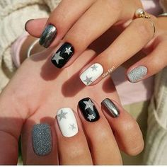 American nails Festive nails Nails with stars New year nails ideas 2017 New years nails Shimmer nails Silver painted nails Tri-color nails Star Nail Designs, Holiday Nail Designs, Holiday Nails, Holiday Mood, Grey Christmas Nails, Christmas Star, Winter Holiday, Holiday Ideas, Trendy Nails