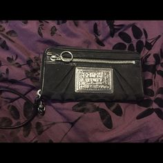 Coach Wristlet Used a few times but in perfect condition. Bags Clutches & Wristlets