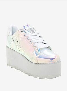 250fae4e760 Harajuku Hologram sneakers