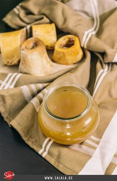 Knochenbrühe aus Markknochen selbst herstellen - by salala.de - Knochenbrühe Rinderbrühe kochen Knochenbrühe Rezept das flüssige Superfood Paleo und Low Carb salala.de