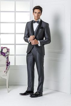 2016 Custom Made Grey Wedding Suits Groom Tuxedos Wedding Suits Bridegroom Suit Best Mens Suits Jacket+Pants+Bow Tie Mens Suits Mens Beach Wedding Attire From Crystaldress2013, $71.62| Dhgate.Com