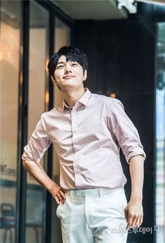 Kim Myungsoo, Woollim Entertainment, Kdrama Actors, Lee Sung, Golden Child, Btob, Asian Boys, My Sunshine, Cute Guys
