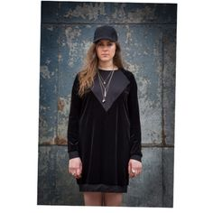 Black velour Swearshirtdress by barabara. With a v input by materialblocking
