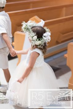 Beautiful Flower girl with crown and basket with Petals- by Event Design Crystal Candelabra, Event Company, Bat Mitzvah, Event Venues, Flower Crown, Corporate Events, Event Design, Event Planning, Beautiful Flowers