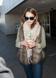 Ivory scarf with fur vest
