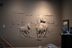 This amazing Canadian artisan transforms plain walls into exquisite works ofart