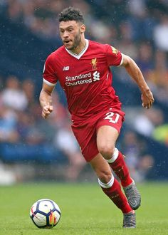 Alex Oxlade Chamberlain of Liverpool in Fc Liverpool, Liverpool Football Club, England Players, Bee Bee, Kate Beckinsale, Football Soccer, Luxury Cars, Photo Ideas, History