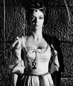 The Pit and the Pendulum - Barbara Steele