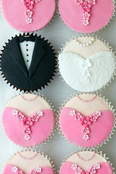 Bride and groom cupcakes~           Unknown source, find on Yahoo lifestyles, pink, white, black, tux, wedding dress, bridesmaid dress