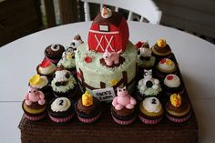 Cake idea   Farm Animal Cake/Cupcakes