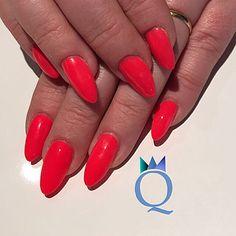 4be4deeb29 #gelnails #neon #coral #nails #almond #shape #gelnägel #korall