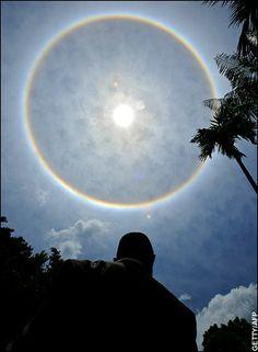 Sundog, Rainbow around the moon.