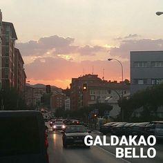 La espectacular puesta de sol de hace un par de días embellece cualquier pueblo. Jajaja.