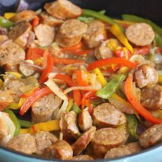 Italian Sausage, Onions and Peppers Skillet is cooked is a super flavourful comfort food. It's an awesome meal for busy weeknight dinner, weekend or game day party. It's also low-carb, gluten-free, paleo and sausage sausagerecipes 311029918018037275 Healthy Dinner Recipes, Breakfast Recipes, Pork Recipes, Cooking Recipes, Cooking Ham, Cooking Steak, Italian Sausage Recipes, Recipes With Sausage Dinner, Dining